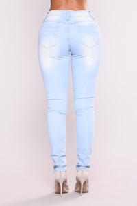 Earned It Skinny Jeans - Light Blue Wash