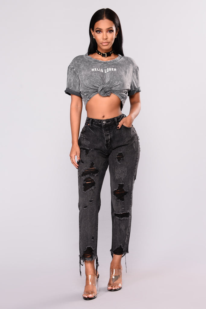 Choose comfort, quality and unbeatable appeal with boyfriend jeans for women from Gap. The stylish pants in this modish collection are some of the most comfortable jeans that you can wear as they are designed for a relaxed fit through the hip and thigh.