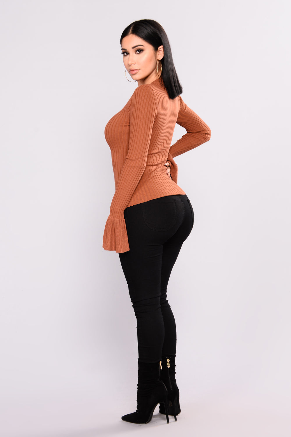 Yana Ribbed Bell Sleeve Top - Rust