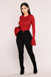 Yana Ribbed Bell Sleeve Top - Burgundy