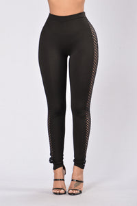Side Peep Leggings - Black