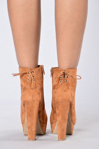 Downtown Gal Boot - Whiskey