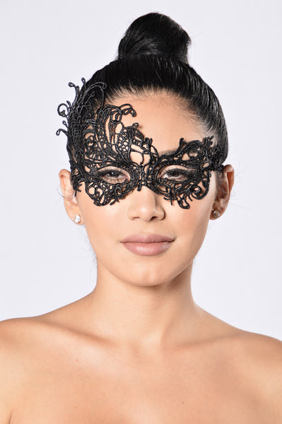 Beauty In Disguise Mask - Black