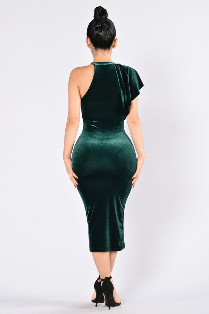 Turn On The Charm Dress - Hunter Green