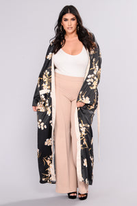 Beauty Marked Robe - Black Angle 6