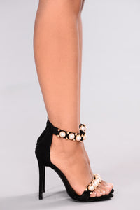 A Perfect Pearl Heel - Black