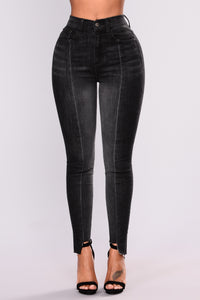 Come To An End Ankle Jeans - Black