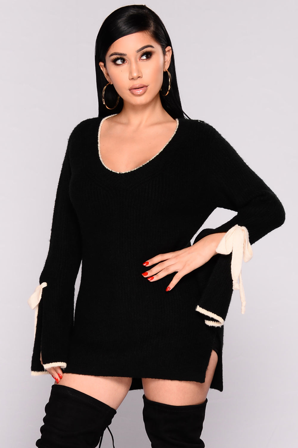 Piazza Bell Sleeve Sweater - Black