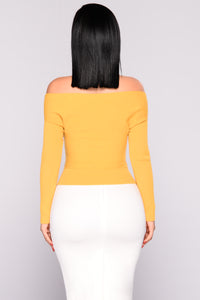 Rizzo Off Shoulder Sweater - Mustard