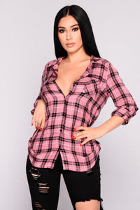 Krissy Plaid Top - Rose Black Angle 1
