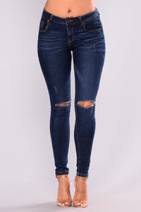 We Met At A Concert Skinny Jeans - Medium Blue Wash