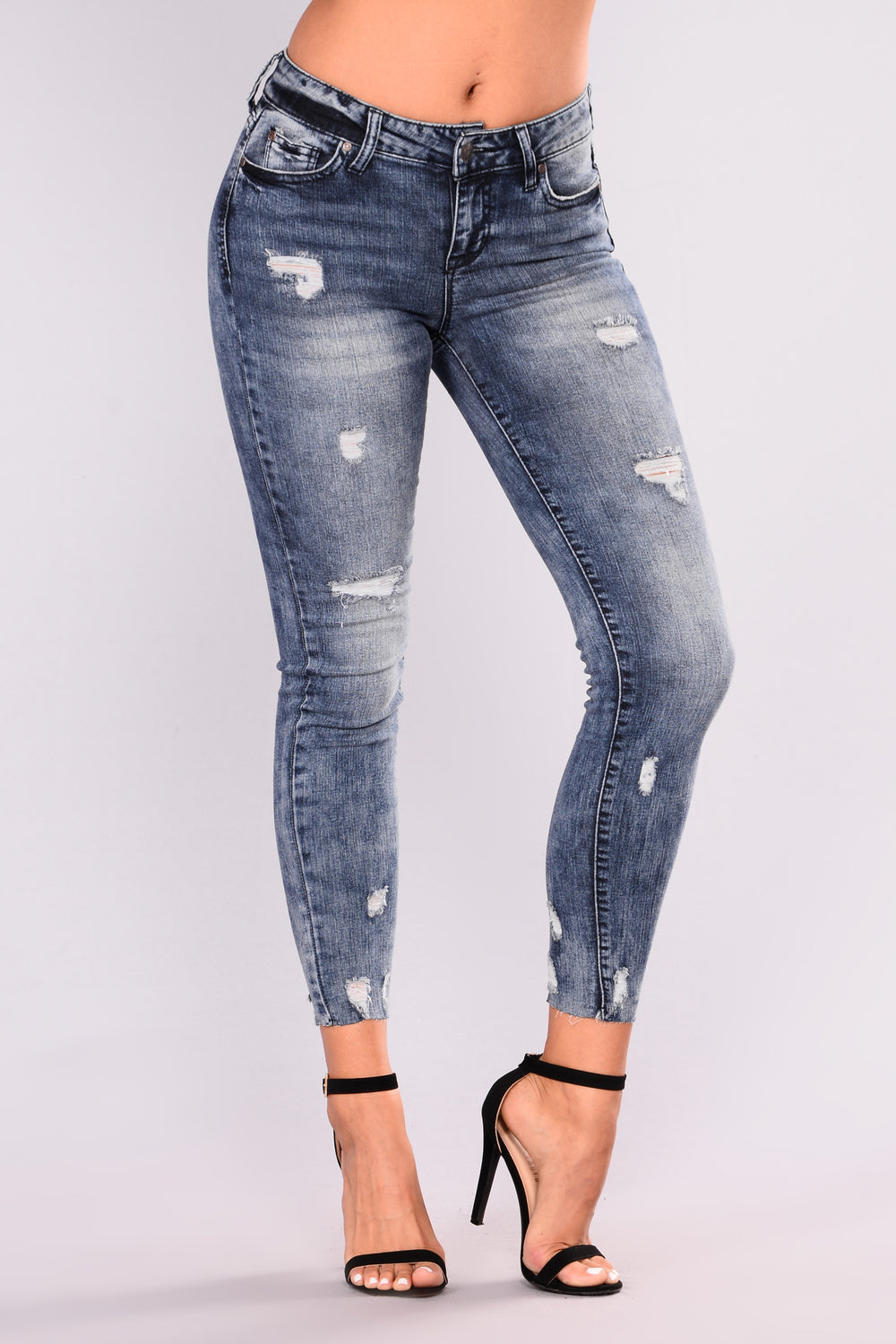 Sticky Situation Ankle Jeans - Medium Blue Wash