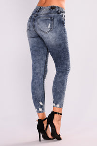 Quick Sand Ankle Jeans - Light Blue Wash