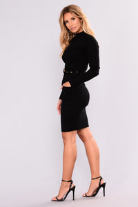 Minimal Effect Knit Dress - Black
