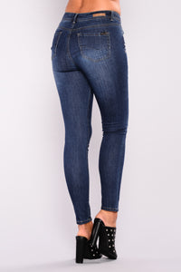 Sweet Little Lies Skinny Jeans - Dark Denim
