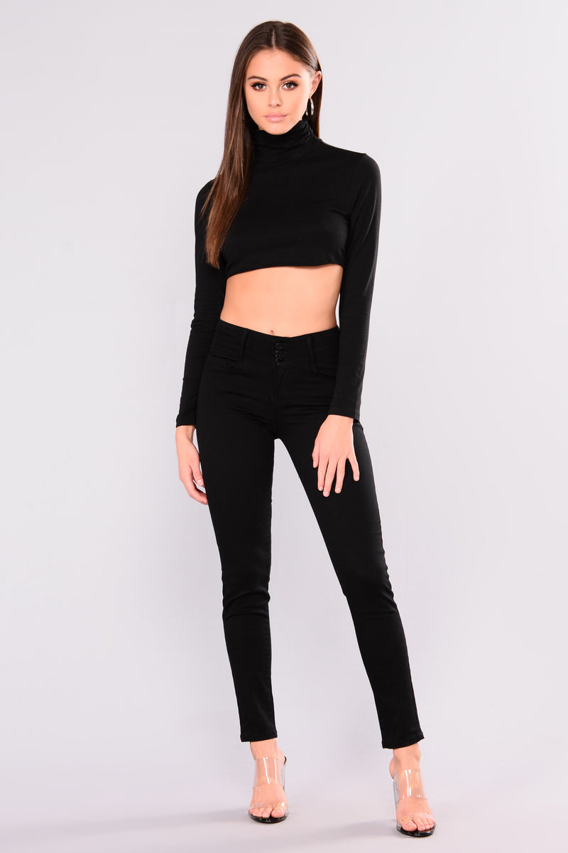 All About The Booty Lifting Jeans - Black