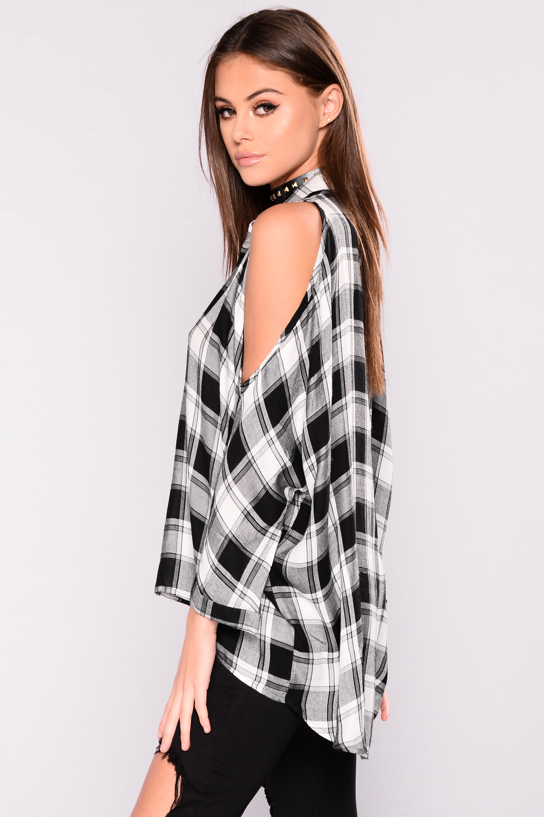 b36f413758f478 Falling For You Cold Shoulder Plaid Top - Black White