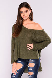 Cold Never Bothered Sweater - Olive