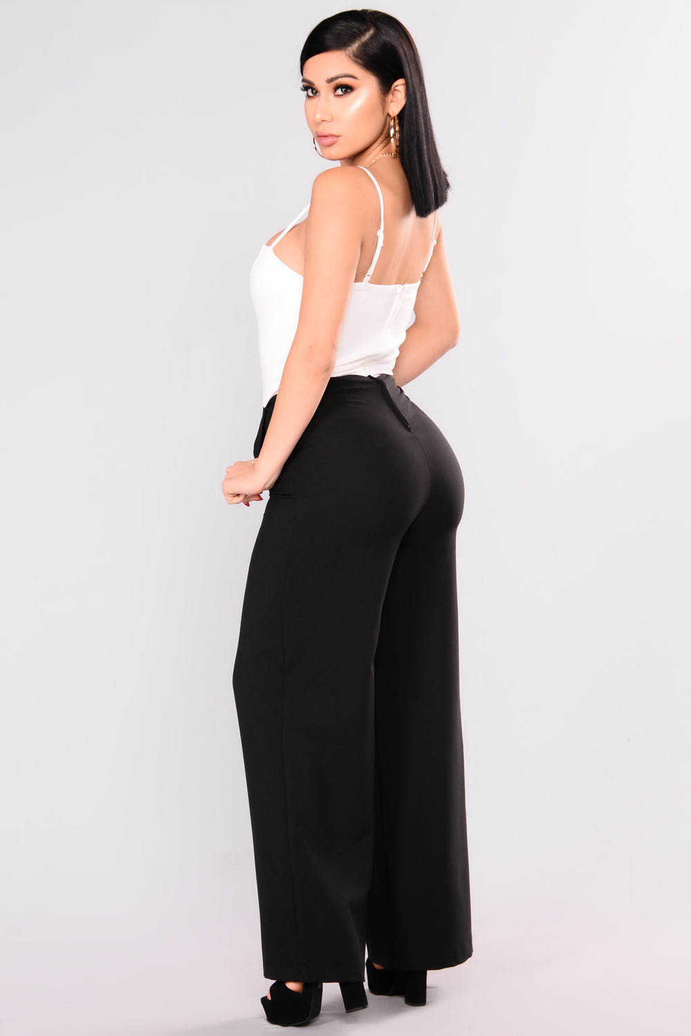 Fashion Nova Canada Shipping Company
