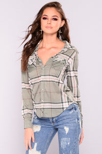 Lounge Lover Plaid Top - Sage/Ivory
