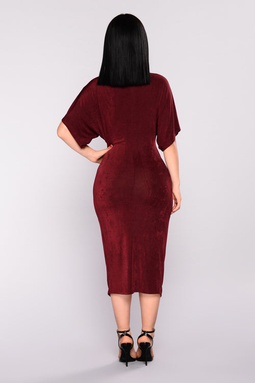 Full Grown Knot Dress - Burgundy