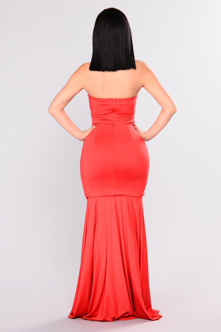 Grand Entrance Strapless Dress - Red