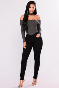 Naomi Choker Top Sweater - Charcoal Grey