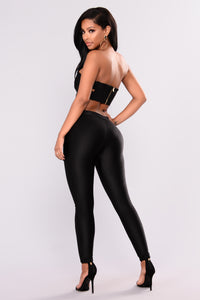 Sleek Fleece Lined Leggings - Black Angle 6