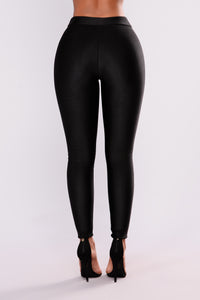 Sleek Fleece Lined Leggings - Black Angle 5