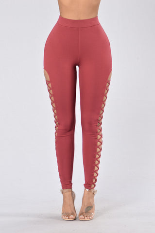 Jumpin' Jumpin' Leggings - Burgundy