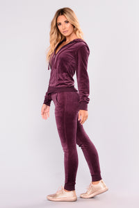 New School Velour Jogger - Plum