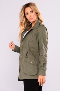 Samara High Neck Anorak - Olive