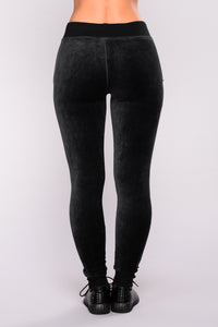 New School Velour Jogger - Black