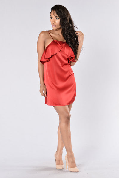 Ruffle Oil Dress - Deep Red