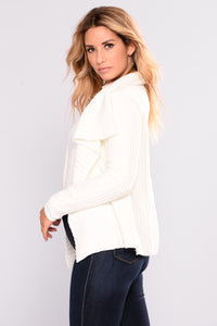 Totally Obsessing Cardigan - Ivory Angle 3