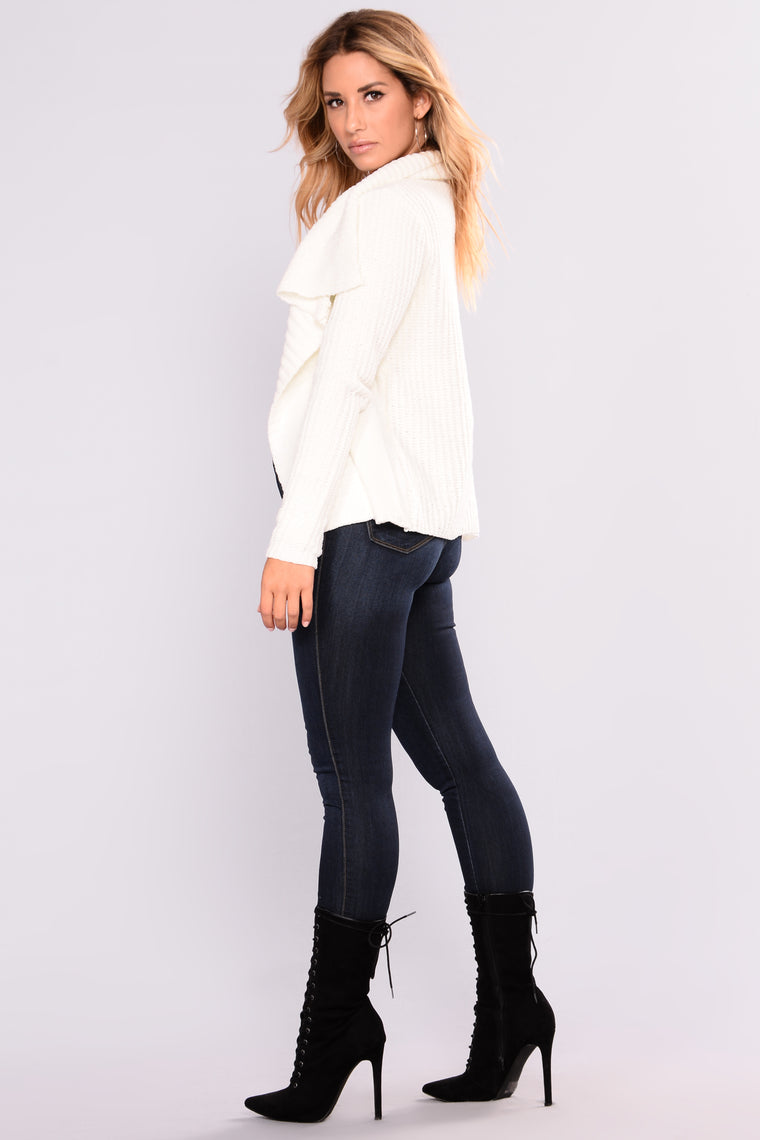 Totally Obsessing Cardigan - Ivory