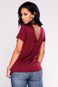 I Ain't Sorry Graphic Top - Burgundy