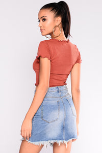 Bad Habits Graphic Top - Rust