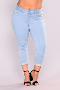 Forever Yours Booty Lifting Jeans - Light Wash