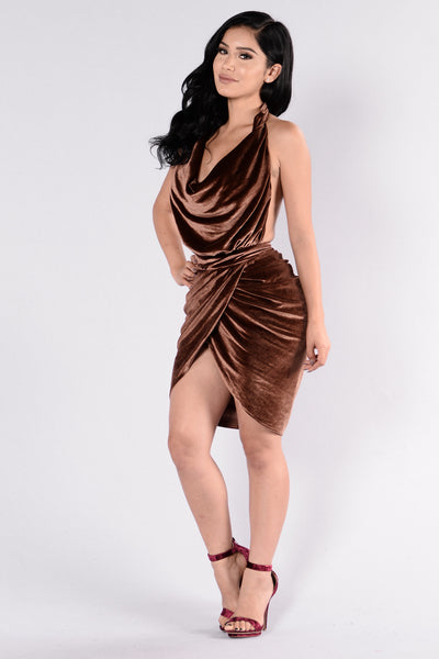 Feel My Kiss Dress - Mocha