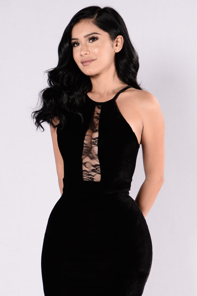 She's Got A Way With Words Dress - Black