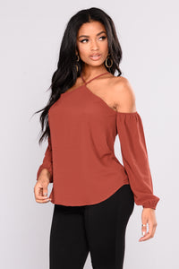 Now And Forever Cold Shoulder Top - Rust Angle 3