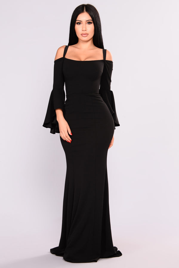 Fascination Off Shoulder Dress - Black b02ec5903