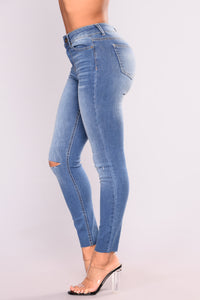 Cut To The Chase Crop Jeans - Medium Blue Wash Angle 4