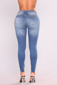 Cut To The Chase Crop Jeans - Medium Blue Wash Angle 3
