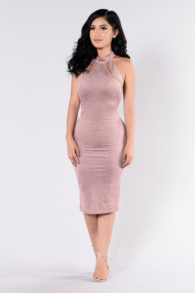 Only The Lonely Dress - Mauve