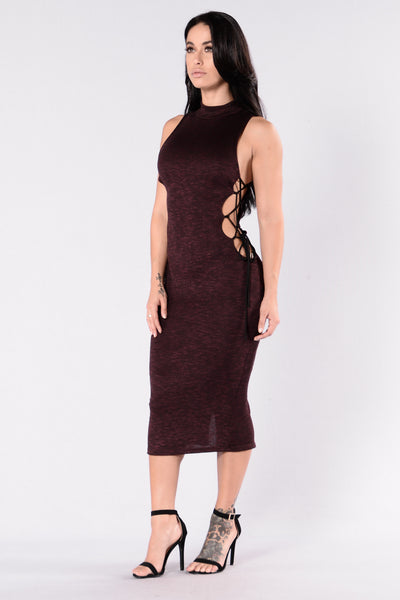 The Finer Things Dress - Burgundy