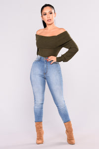 Helsey Off Shoulder Sweater - Olive