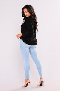 Cut To The Chase Crop Jeans - Light Blue Wash Angle 5