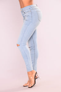 Cut To The Chase Crop Jeans - Light Blue Wash Angle 4